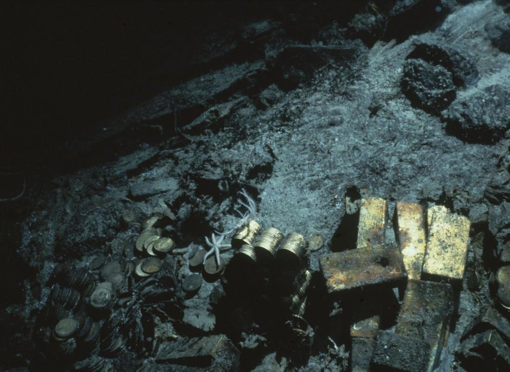 3798 3 21 dt0111 shipwreck 01 1024x748 Potopená loď láká lovce pokladů