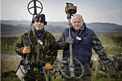 Derek McLennan Poklad Vikingů pod cívkou skotského hledače