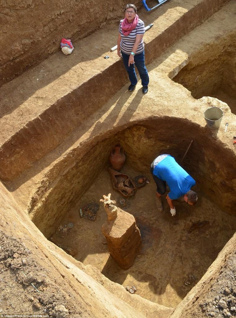 hrobka thracka 9 761x1024 Thrácká hrobka ve Sveštari plná zlata